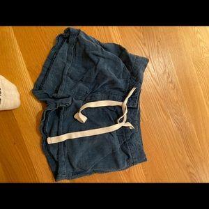 Aritzia linen shorts